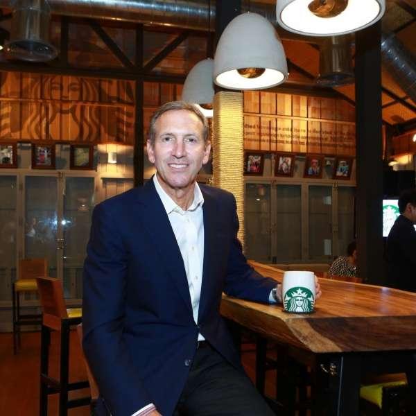 Howard Schultz quitte la direction de Starbucks pour développer l'offre haut de gamme du groupe