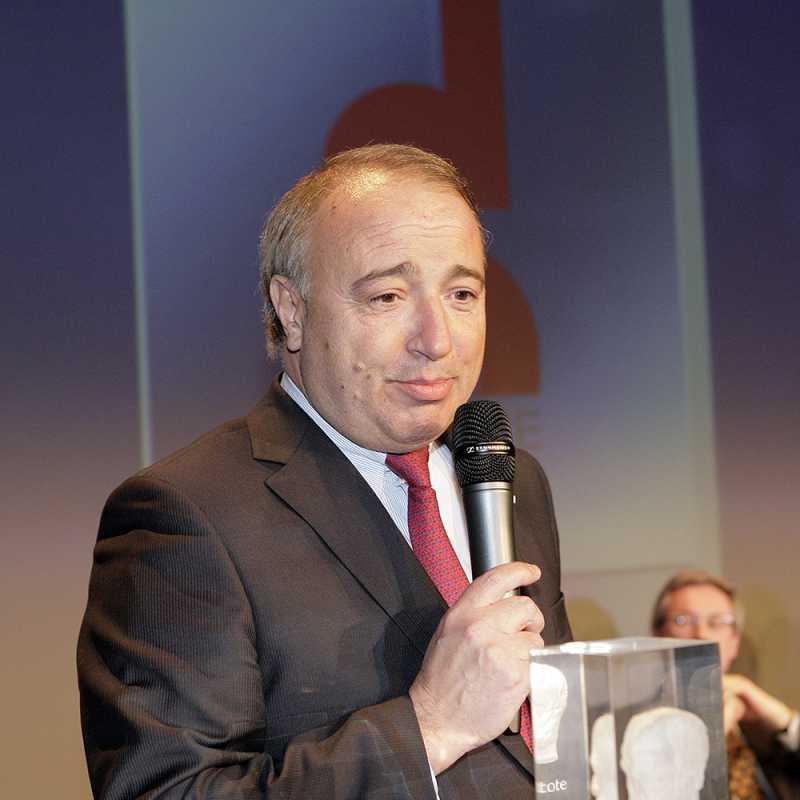 Thierry-de-la-Tour-d'Artaise