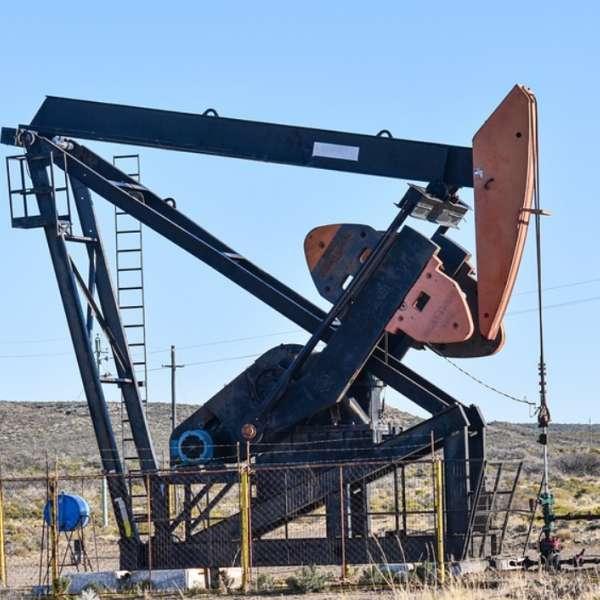 Charbon et pétrole, comment les énergies fossiles s'accordent-elles à la transition énergétique ?